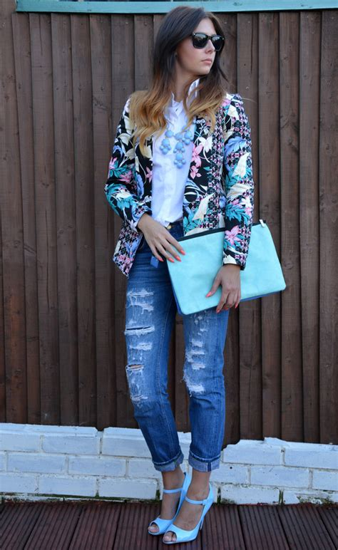Kalung Zara Floral Pink 22 ways to wear your floral blazer this