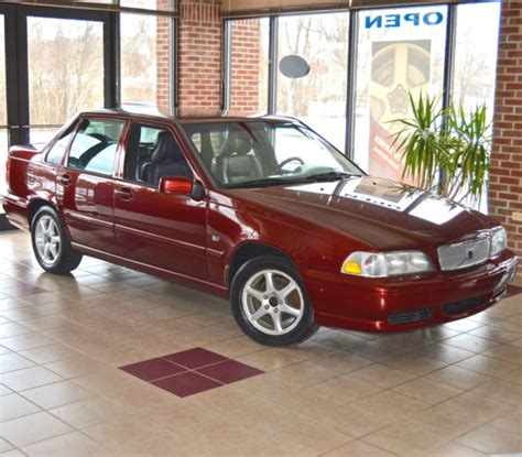 volvo   turbo venetian red ultra  mileage gorgeous condition pix