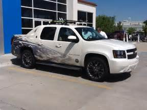 2013 black chevy avalanche cars trucks