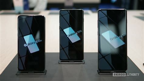 samsung galaxy s10 family gets day one update on t mobile and verizon