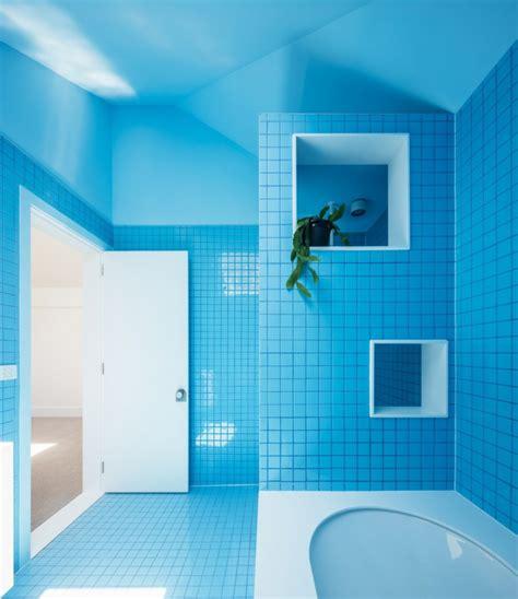 banos modernos de color azul  unos espacios llenos de