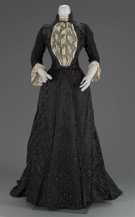 beauty dress black antique accessories victorian redmortem