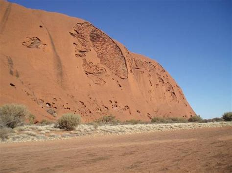 what pattern or shape is uluru travels in geology australia s wonders from ocean to