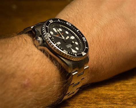 Seiko SKX007 Oyster II Bracelet Wrist Shot   Dive Watches Blog