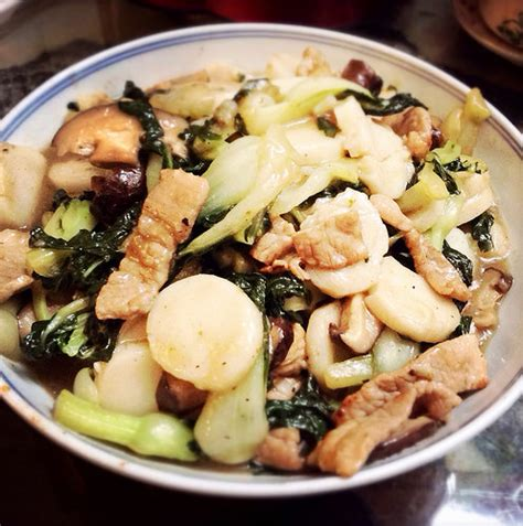 how to fry new year rice cake stir fried nian gao rice cakes 炒年糕 recipes at