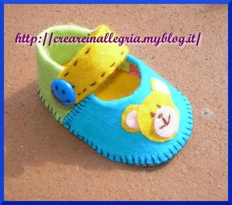 neonato in scarpine neonato feltro cartamodello