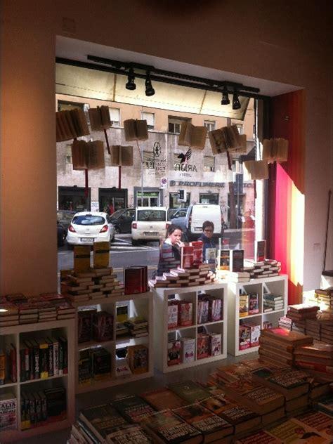 libreria cinema roma apre la prima libreria newton compton mymovies it
