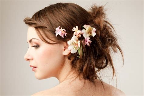 Wedding Hair Flower Real Or by Wedding Flowers For Your Hair Thriftyfun