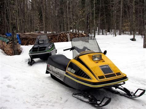 vintage snowmobiles images