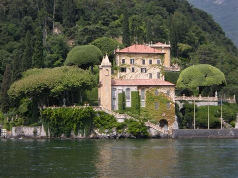 george clooney home in italy bartcop s celebrity mansions homes 130408 htm