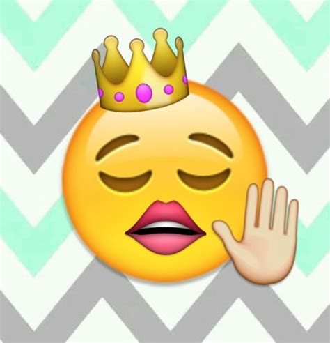 emoji queen i m the queen discovered by laura on we heart it