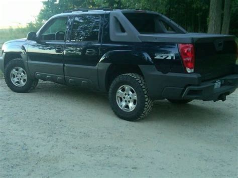 how cars engines work 2005 chevrolet avalanche 1500 auto manual buy used 2005 chevrolet avalanche 1500 z71 crew cab pickup 4 door 5 3l in grosse ile michigan
