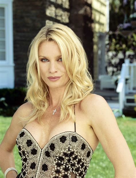 nicollette sheridan shows desperate housewives s1 nicollette sheridan as quot edie britt