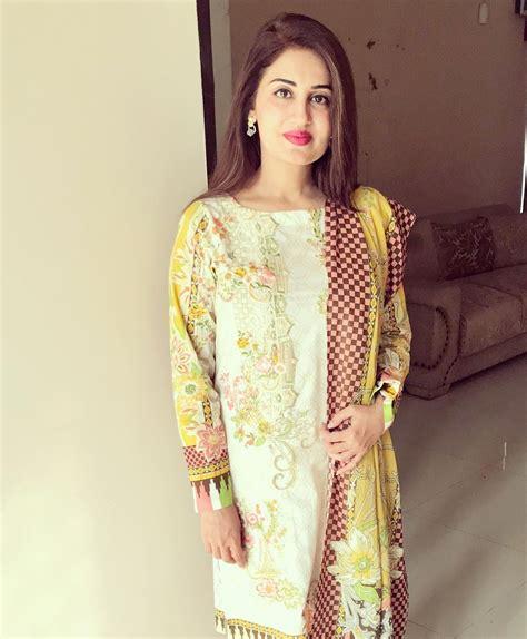 iqrar ul hassan wife farah iqrar  aaj tv ramzan transmission pakistani drama celebrities