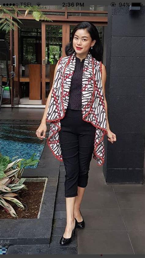 koleski terbaru style batik wanita hijab modern