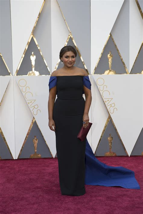 mindy kaling queer eye mindy kaling emma thompson co star in movie the mary sue
