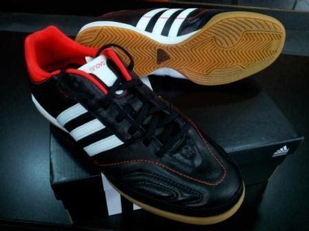 Sepatu Adidas Hitam Putih Original sepatu futsal adidas 11nova hitam putih merah chexos