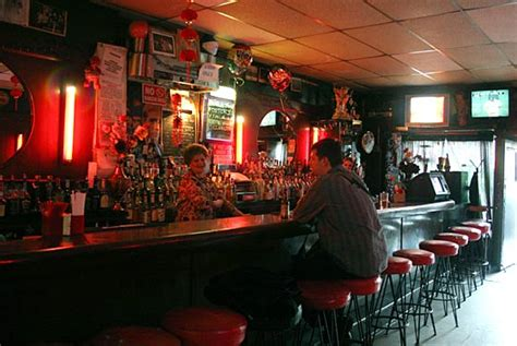 top dive bars in nyc double down saloon drink nyc the best happy hours