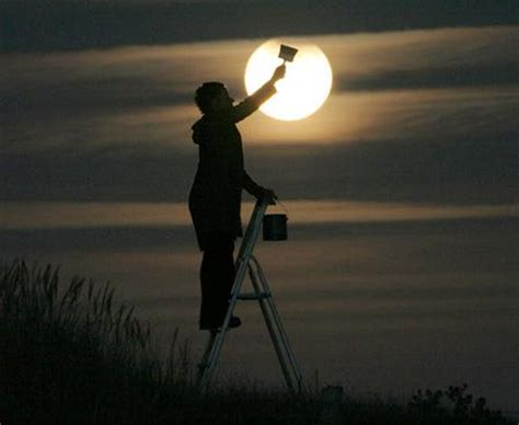 creative photography of moon by laurent laveder paperblog