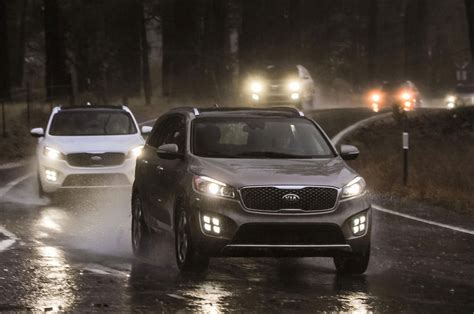 kia vehicle lineup 2016 kia sorento sx limited front lineup in motion 2 photo 13