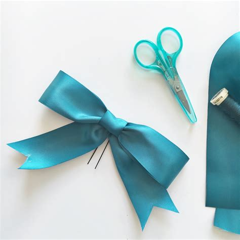 How to make a ribbon hair bow the crafty mummy
