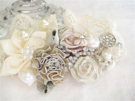 Vintage Inspired Wedding Hair Accessories by 17 Best Ideas About Flower Hair Accessories On
