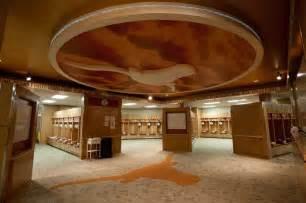 room tx top college locker rooms the longhorns locker room