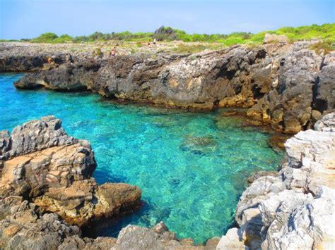 spiaggia porto selvaggio salento insenatura di porto selvaggio foto di porto selvaggio
