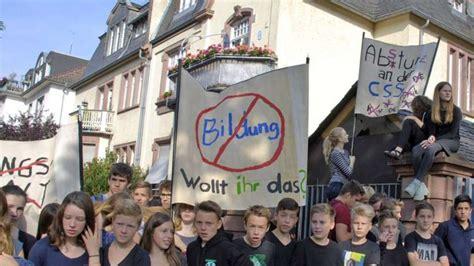 Mit Freundlichen Grüßen Lehrer frankfurter sch 252 ler protestieren vor textorschule gegen