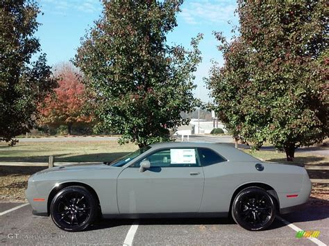 grey challenger 2017 destroyer grey dodge challenger sxt 116992910