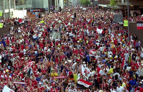 new year parade manchester 2015 manchester united homecoming parade 1999 a tide of