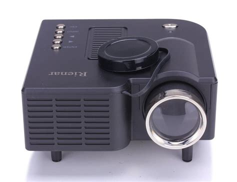 best micro led projector for presentation 10 best home theater projectors images on