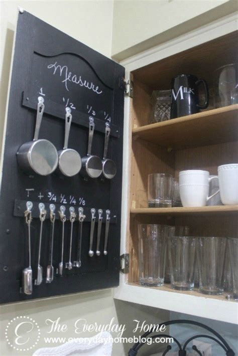 the organizing hacks that with small kitchens wwear