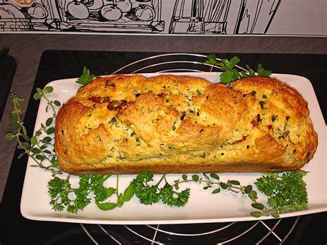 rezept herzhafter kuchen herzhafter salami oliven kuchen rezept mit bild chefkoch de