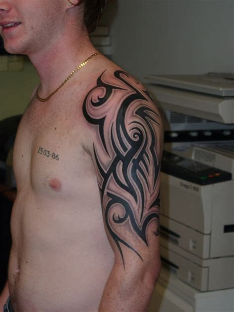 tribal quarter sleeve tattoo designs half sleeve tattoos for men tribal full and half sleeve
