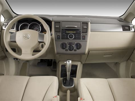 nissan versa interior 2007 2007 nissan versa reviews and rating motor trend