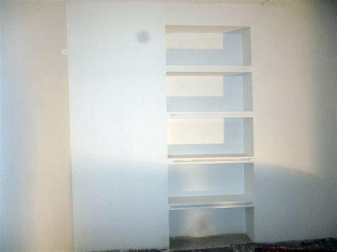 scaffale in cartongesso foto scaffale realizzato in cartongesso in un ufficio di