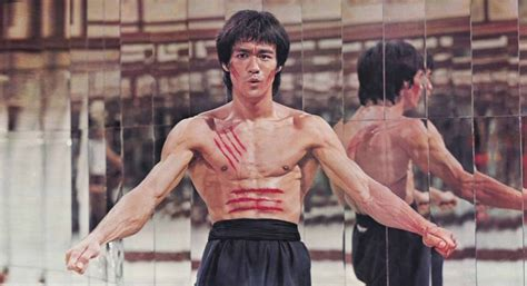 bruce lee real biography bruce lee s profound philosophy of life 7 mind shifting
