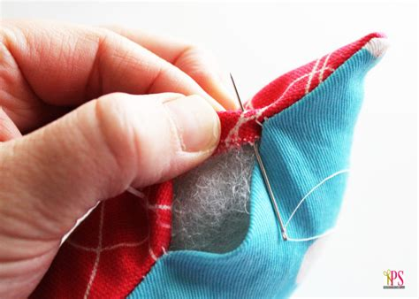 How To Stitch A Pillow Closed by How To Sew A Pillow Closed By With A Blind Ladder