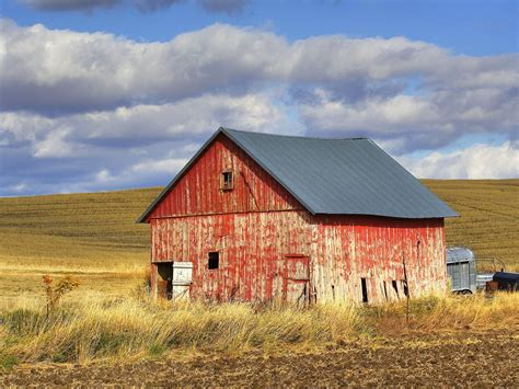 red barn nature old red barn palouse washington picture nr 40448