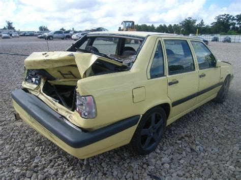wrecked yellow     florida
