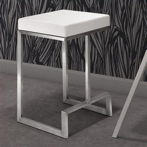 zuo darwen modern bar stool bar stools in red zuo darwen modern leatherette counter chair in white set
