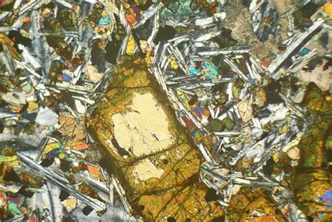 basalt thin section description ardnamurchan olivine basalt thin section microscope slide