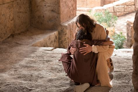 imagenes de jesus perdonando healed man gives thanks