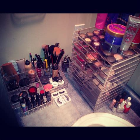 kim kardashian makeup organizer in her bathroom kim kardashian makeup organizer in her bathroom my web value