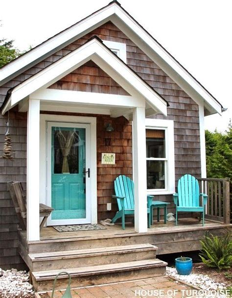 coastal cottage in washington state the shingled beach cottages in seabrook washington make