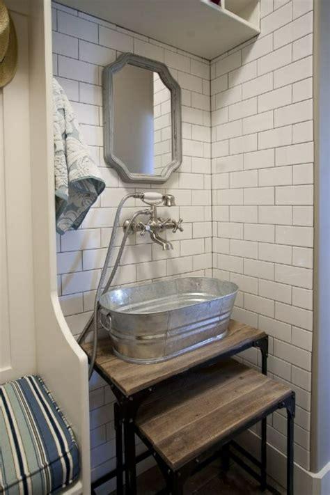 kleine waschbecken und eitelkeiten für kleine badezimmer design rustikal badezimmer