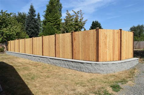 Panhandle Property Divider Fence Retaining Wall In Garden Wall Fencing