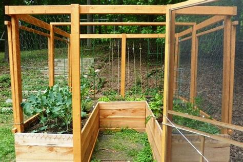 Vertical Square Foot Gardening Enclosed Raised Bed Garden Deer Proof Square Foot