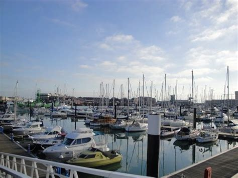 boat harbour club cinema yacht charter portsmouth port of the week portsmouth